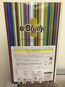 Brand New Unopened Takara Tomy Neo 12 Blythe Doll French Trench dal Pullip