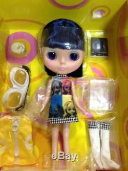 CWC 3rd Anniversary Limited Neo Blythe doll Art Attack used good conditon