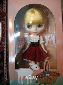 Hasbro Takara cwc Neo Blythe doll Cousin Olivia