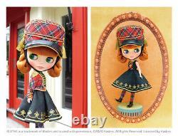 Hasbro Takara cwc Neo Blythe doll Plaid Parade