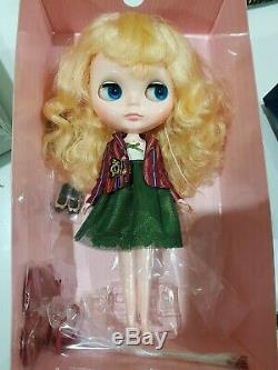 Neo Blythe Doll University of Love Takara Stock Doll, Excellent Condition