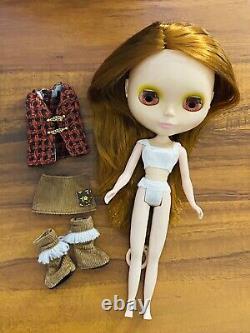 Pow Wow Poncho Neo Blythe + Accessories