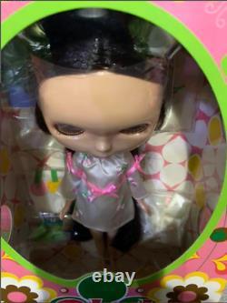 TAKARA TOMY Neo Blythe Very Cherry Berry Fashion Doll From Japan