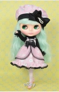 Takara Hasbro CWC Neo Blythe doll Cream Cheese