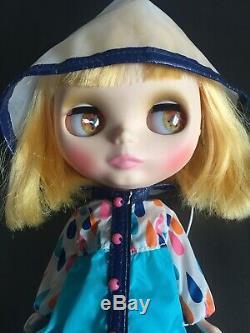 Takara Hasbro CWC Neo Blythe doll Matte Playful Raindrops In Box