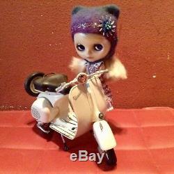 Takara Neo Blythe 1/6 Doll Moto Vespa Motorbike