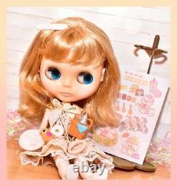 Takara Tomy Neo BLYTHE Cassiopeia Spice CWC RBL Doll with Dress Stand