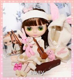 Takara Tomy Neo BLYTHE Velvet Minuet 2004 SBL Doll FULL Outfit Violin Hasbro