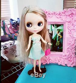 Takara Tomy Neo Blythe Cappuccino Chat Blonde Doll