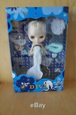 Takara Tomy Neo Blythe Darling Diva RBL Anniversary Doll Mint BNIB