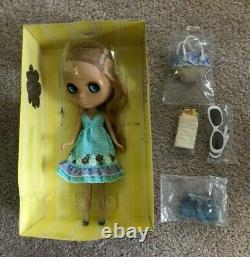 Takara Tomy Neo Blythe Sunshine Holiday beautiful doll